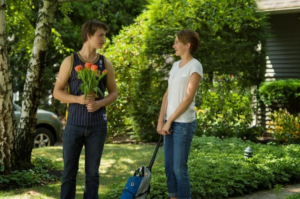 fault-in-our-stars-woodley-elgort